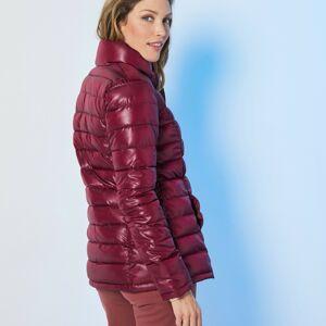 Blancheporte Jednobarevná prošívaná bunda, krátká bordó 40